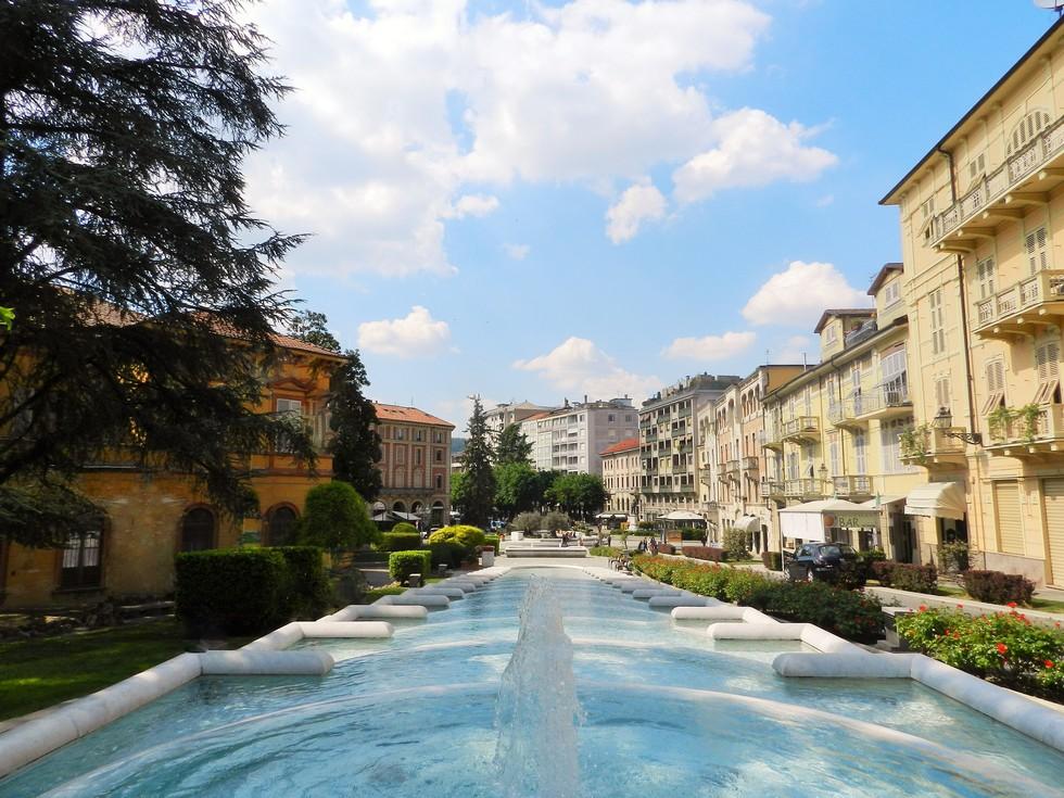 Acqui Terme, Piazza Italia, Monferrato